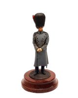 REAL MODELS DG9 - Lieutenant Coldstream or Irish Painted with Wooden base